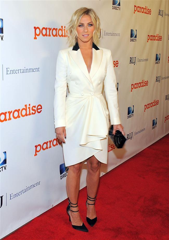 Oyuncu Julianne Hough'un ceket görünümlü elbisesi