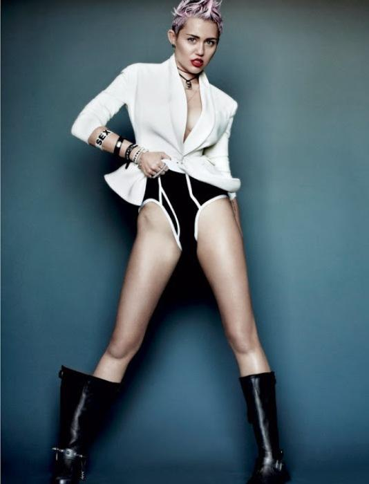 Miley Cyrus'un en çarpıcı fotoğrafları - 8