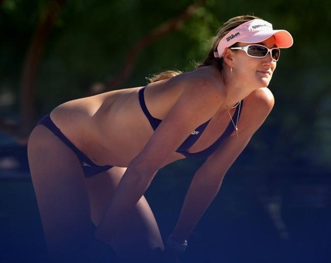 Kerri Wlash  ABD'li profesyonel plaj voleybolu oyuncusu. Tüm zamanların en büyük plaj voleybolu takımı oyuncularından olan Kerri Wlash seksi vücudu ilede dikat çekiyor.