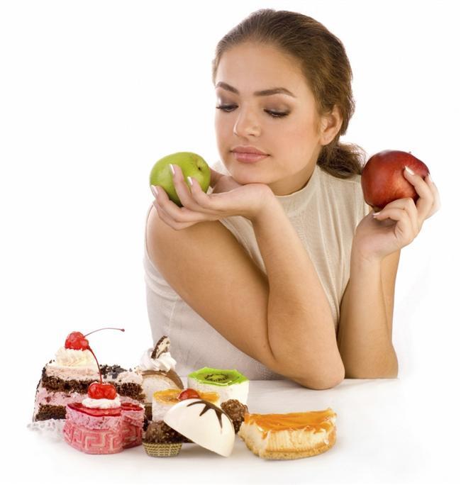 2. Kuralcılık    Kendinize karşı katı olmak ve spor için kurallar koymak sizi daha disiplinli kılacaktır. Mesela spor yaparken yediğiniz yiyeceklere kurallar koyun. Böylece daha düzenli ve hızlı bir şekilde kilo verebilirsiniz.