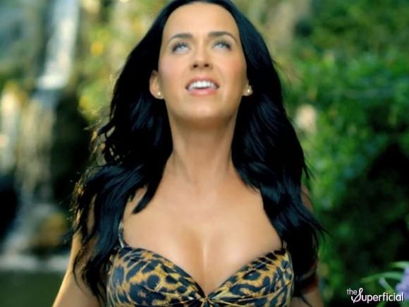 Dişi tarzan: Katy Perry! - 30