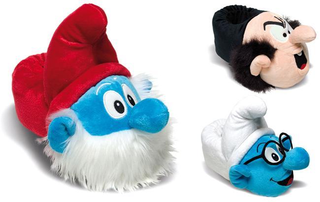 Twigy'nin birbirinden sevimli pofuduk ev ayakkabı ve terlikleri, bu sezon da en sevdiğimiz kahramanlarla ayağımıza geliyor. Her ayak numarasına uygun bulabileceğiniz pofuduklar, sevdikleriniz için eğlenceli bir hediye özelliği de taşıyor...  Şirinler/The Smurf's: 36-44  Moda Kanalları Editörü: Burcunur YILMAZ