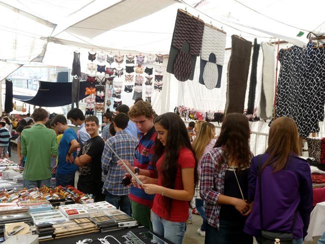 3- Fatih Çarşamba Pazarı  İtfaiye durağı Çarşamba semti Fatih, İstanbul -  Avrupa