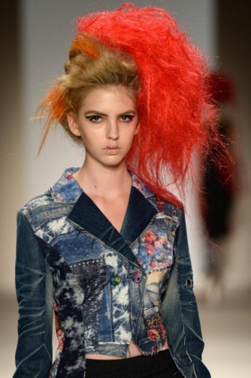 MB Moda Haftası'ndan ilginç saçlar defilesi! - 24