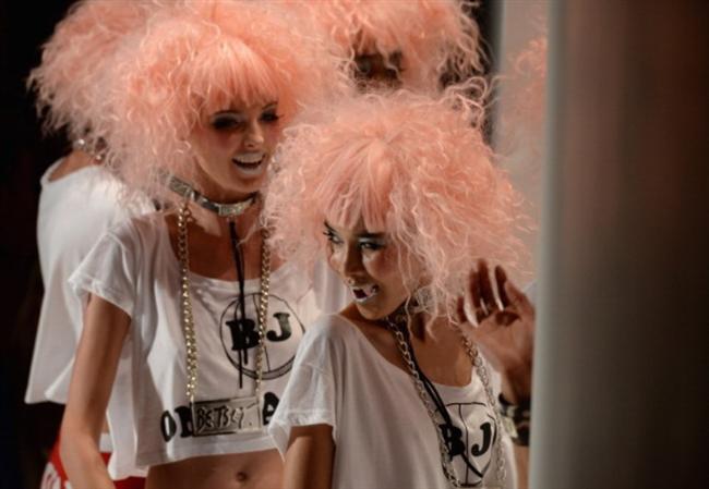 MB Moda Haftası'ndan ilginç saçlar defilesi! - 51