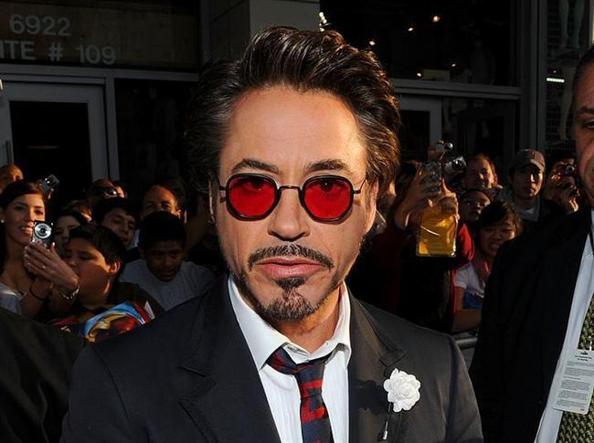 Robert Downey Jr (Oyuncu)  75 milyon dolar