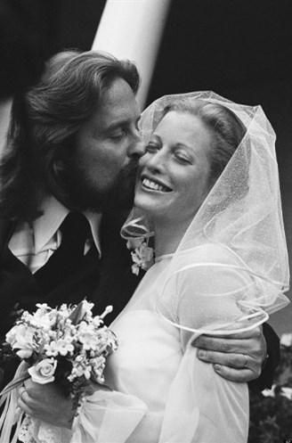 Michael Douglas ve Diandra Lucker, 1977.
