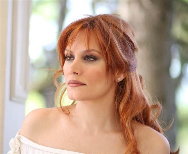 Türkiye'nin en beğenilen saçlarına sahip kadınları araştırdık. İşte en güzel saçlı ünlü kadınlar...  Ebru Cündübeyoğlu  Kadın Kanalları Editörü: Burcunur YILMAZ