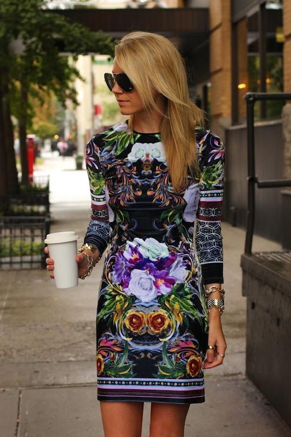 Grafik desenli rengarenk elbise