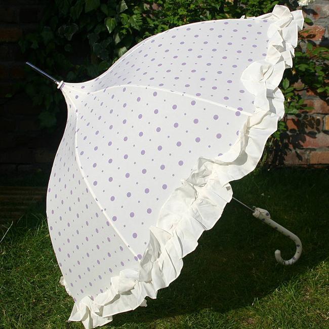 Mor puantiyeli beyaz şemsiye