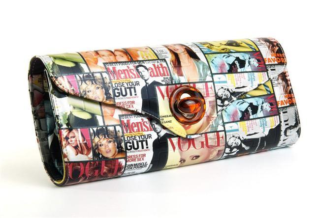 Portföyler çantalar 2014 trendleri arasında yerini aldı. Bütün yaz kullandığımız bu çantaları sonbaharda da kullanmaya devam edeceğiz. İster günlük, ister ofiste, isterseniz de bir davette rahatlıkla kullanabileceğiniz bu çantaları sizler için seçtik... Portföy çantaların şıklığından siz de yararlanın!  Moda Kanalları Editörü: Duygu ÇELİKKOL
