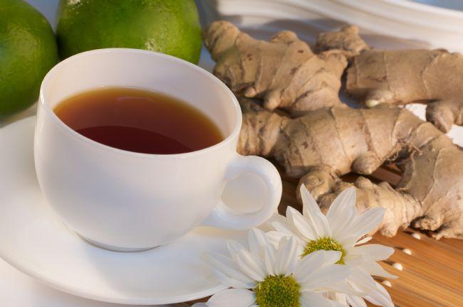 Limon ve balla birlikte hazırlanan çayı soğuk algınlığında, boğaz ağrısında ve öksürüklerde etkilidir. Ayrıca, zencefil, bağışıklık sistemini güçlendirmesinin yanısıra, zayıflamaya yardımcı bir bitki olarak da biliniyor. Sağlığına özen gösterirken farklı lezzetler deneyerek keyif almak isteyenler için zencefil ve limon kabuğu vazgeçilmez bir ikili.