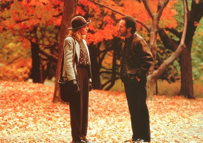Harry ile Sally Tanışınca (When Harry Met Sally)  Bir yolculuk sırasında karşılaşıp tanışan Harry ve Sally isimli iki genç sohbetleri esnasında aynı üniversiteden mezun olduklarını, ancak daha önce hiç karşılaşmadıklarını fark ederler. Bu keyifli sohbet sırasında konu ikili ilişkilere gelir ve iki karşı cinsin arkadaş olup olamayacağı üzerine uzun uzun tartışırlar. Sonuç ise arkadaş olamadıkları yönündedir. New York'a vardıklarında ayrılırlar ve ikisi de ayrı ayrı kendi hayatlarını yaşamaya devam ederler. Ta ki kader yollarını tekrar birleştirine dek...   Rob Reiner'ın yönetmenliğini yaptığı, başrollerinde Meg Ryan ve Billy Crystal'ın yer aldığı yapıt, tüm zamanların en başarılı romantik komedilerinden biri.