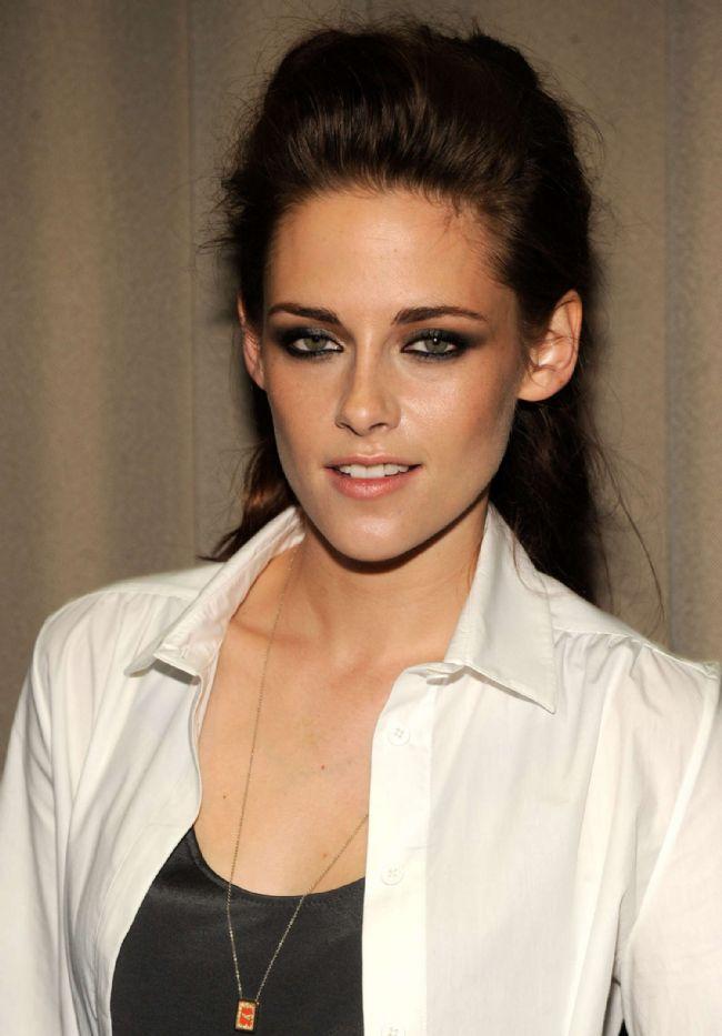 Koç burcu  Kristen Stewart   İşte diğer Koç Burcu güzellerinden bazıları: Emma Watson, Sarah Jessica Parker...