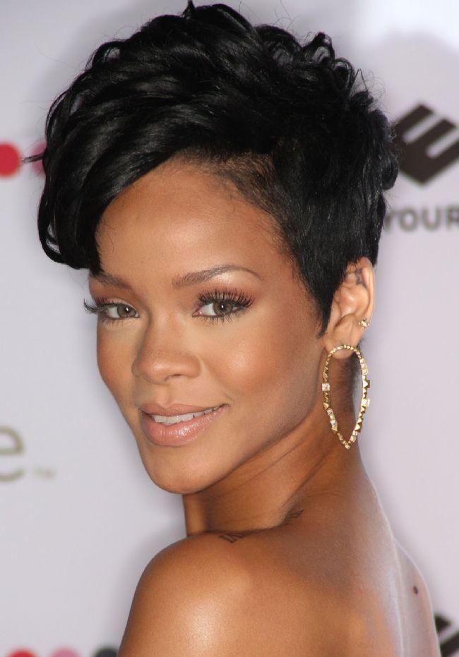 Balık burcu  Rihanna  İşte diğer Balık Burcu güzellerinden bazıları: Eva Herzigeva, Eva Longoria, Drew Barrymore, Jessica Biel...