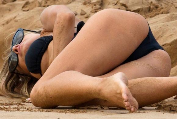 Carmen plajı salladı - 6