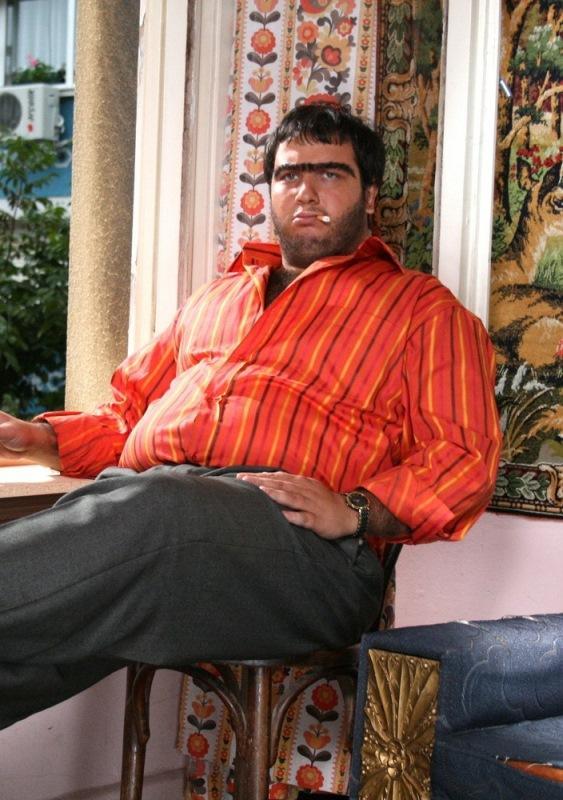 Şahan Gökbakar  'Recep İvedik' ismini tescil ettirmek isteyen Şahan Gökbakar canlandırdığı karakterin patentini almak için başvurmuş ancak daha önce birinin tescil ettirdiğini öğrenmişti. Dava açan Gökbakar haklı bulundu ve 20 bin lira ödeyerek 'Recep İvedik'in isim hakkını satın aldı.