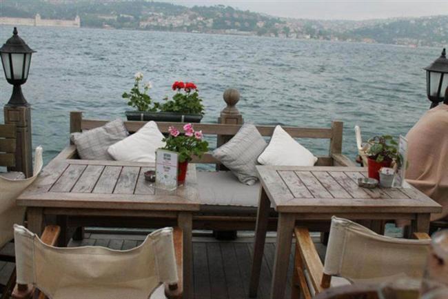 Aşşk Cafe  Kuruçeşme Mah. Muallim Naci Cad. No: 64, Beşiktaş/İST. (0212) 265 47 34
