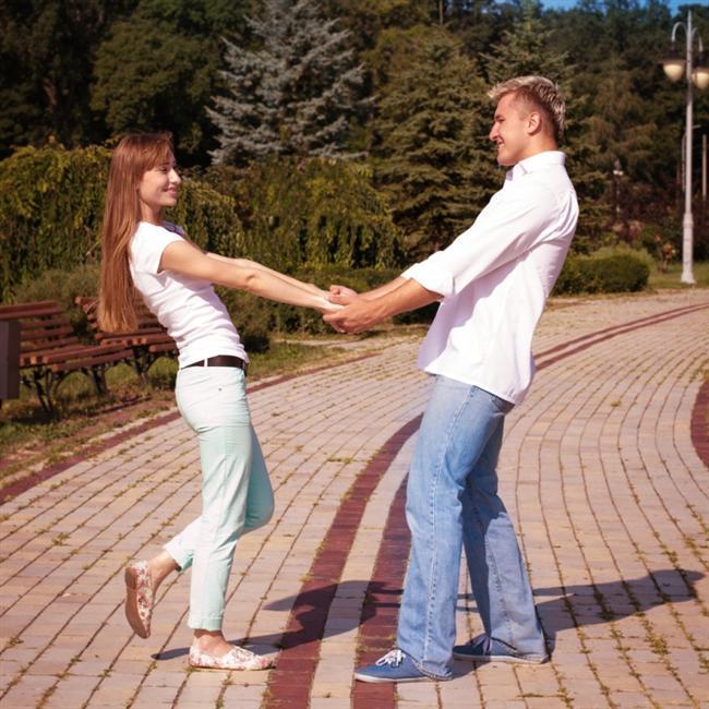 Birbirinizi beğenmek, birbirinizi ateşli bir şekilde sevmekten bile önemlidir.