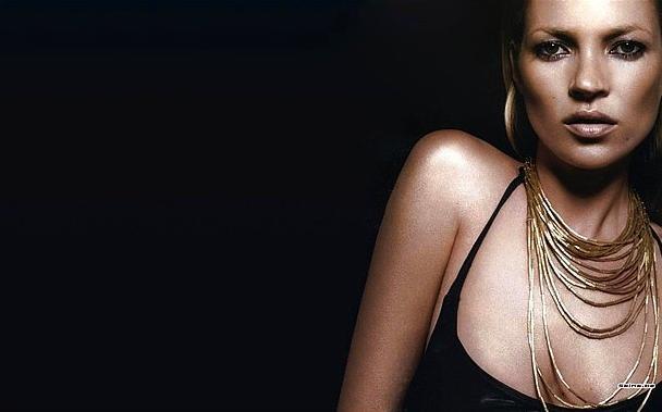 Kate Moss  5.7 milyon dolar g elir elde etti.