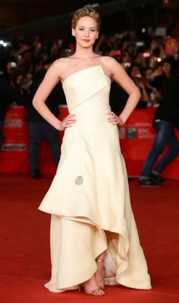 Jennifer Lawrence`ın kısa saç stilleri - 8