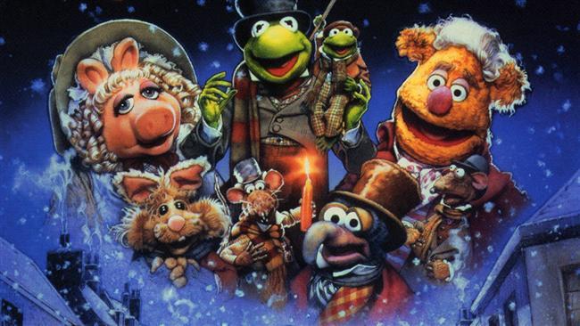 The Muppet Christmas Carol (Muppet Show Noel)  Charles Dickens'ın meşhur Noel Hikayesi'ni bu kez Muppet'lardan dinliyoruz. Ebenezer Scrooge, Noel neşesini reddeden yaşlı ve cimri bir adamdır. Kurbağa Kermit'in canladırdığı asistanı Bob'u tatil olduğu halde çalıştırmaktan geri durmaz. Üst üste cimrilikleri ve kalpsiz davranışları sonucu onu uzun bir gece beklemektedir. Geçmişin, şimdinin ve geleceğin Noel hayaletleri onu ziyaret edecektir!