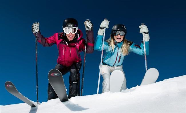 10- Kayak tatili  Aklınızdan geçen hediye aktivite içersin istiyorsanız, kayak tatilinden daha cazip bir seçenek bulamazsınız. Sevdiğinize yapacağınız kayak tatili sürpriziyle yeni yıla eğlenceli bir giriş yapabilirsiniz.