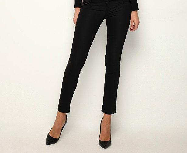 Kısa paçalı siyah denim pantolon