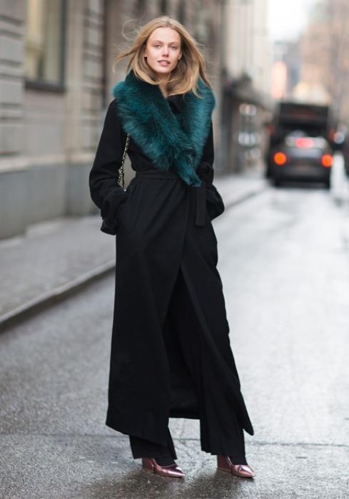 Siyah renkte salaş palto