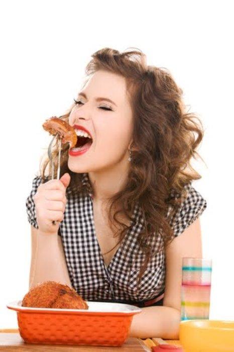 Yay  Burcunuz, kalçalar bacak üstleri ve karaciğeri temsil eder. İyi yemek yapar ve iştahla yersiniz, dolayısıyla da kaslarınızda yağlanma meydana gelir. Özellikle kalça ve baldırlarda sorunlar yaşarsınız. Ağır baharatlı, salçalı yemeklerden, tatlılardan uzak durmalısınız. Taze meyveleri kabuklarıyla birlikte tüketin, B vitamini yönünden zengin, yağsız dana eti, karaciğer ve tahıllı ekmek tüketiniz. Tuz dengesini de korumalısınız.