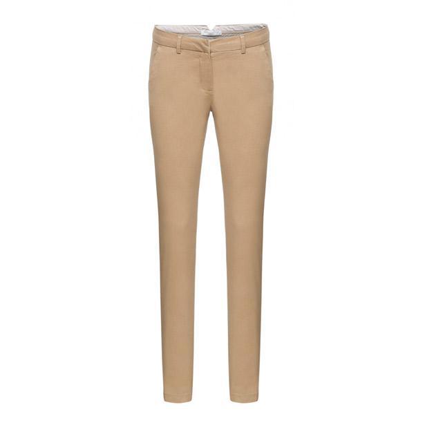 Sezonun kilit parçalarından olan Chino pantolon