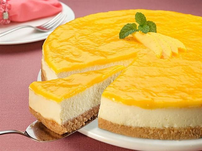 Cheesecake  En şişmanlatıcı cheesecake konusunda ABD'nin birinciliği tartışılmaz, tabii en iyiler de ABD'den çıkıyor. New York da bu lezzetli tatlının merkezi olarak kabul ediliyor. İtalyanlar, cheesecake'i ricatte peyniri ile polenta adı verilen mısır unu peltesiyle veya badem, rom, kırmızı pancar yapraklarıyla yaparken Ruslar Paskalya 'da yenen zengin, özel bir tarife sahip...