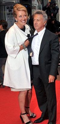 Beyazperdenin dev aktör Dustin Hoffman boydan yana biraz kısa.