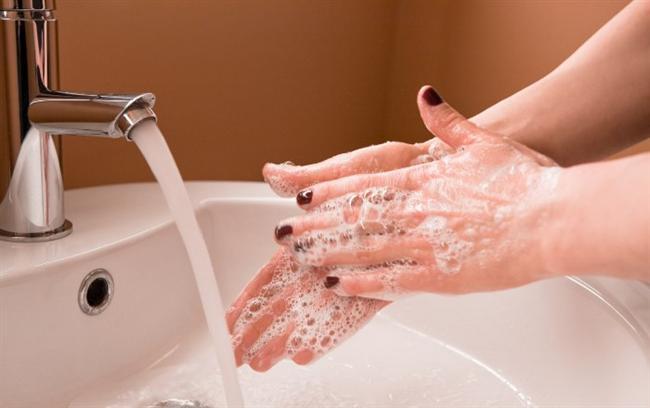 Başak  * Ellerini yıkamak en büyük takıntısıdır.  * Parfümsüz sokağa çıkmaz.  * Dudaklarını yemek takıntısı vardır.  * Canı sıkılmışsa, parmaklarını ritmik olarak bir yere vurarak sıkıntısını dile getirir.