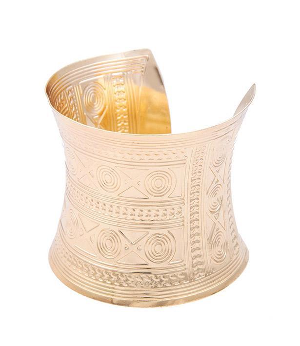 Altın kaplama kelepçe bileklik kombininize hava katacak