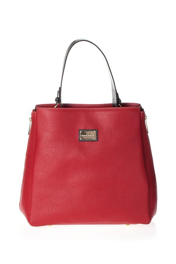 Siyah saplı yandan fermuarlı kırmızı çanta ile görünümünüze hareket kazandırın