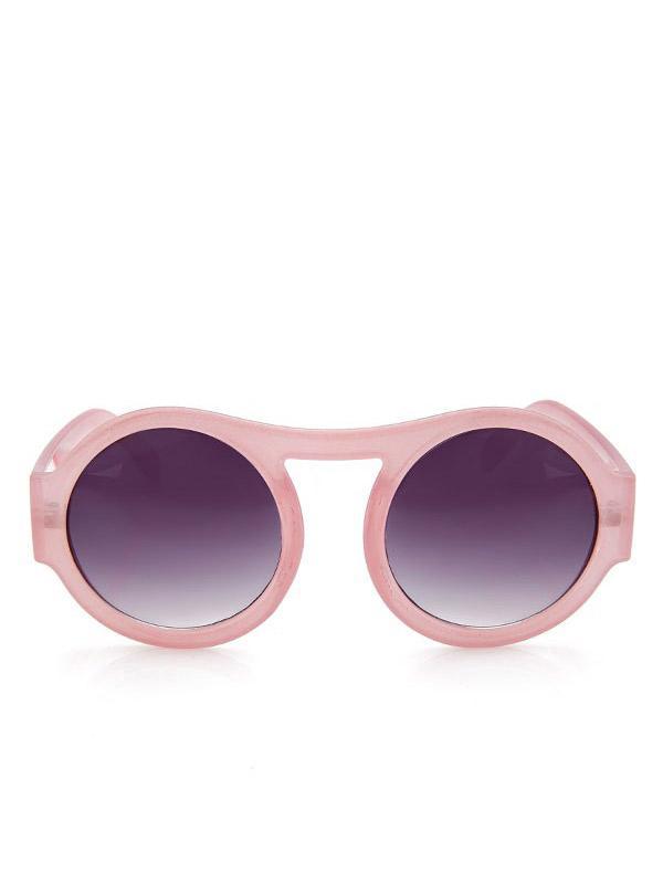 Bu sezonun vazgeçilmez trendi güneş gözlükleri stilinize hava katıyor