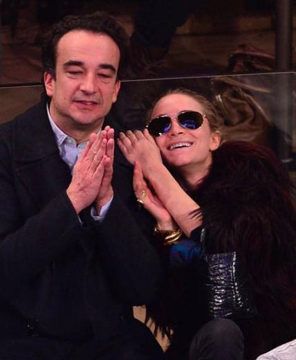 Mary Kate Olsen kendisinden 17 yaş büyük Olivier Sarkozy ile çok mutlu.