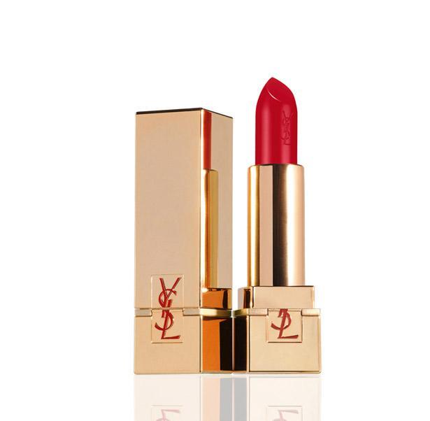 Sokak stillerinin vazgeçilmezi kırmızı ruj ile stilinizi tamamlayın...  Artık stil sahibi bir Mahmure kadını olarak bu haftaya hazırsınız!