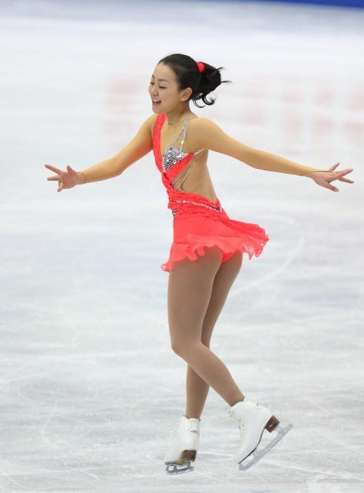 Mao Asada-Japonya  Dört Kıta, Dünya Gençler ve Dünya şampiyonlarına katılmış olan Mao, genellikle altın madalya'ya layık görülmüştür.