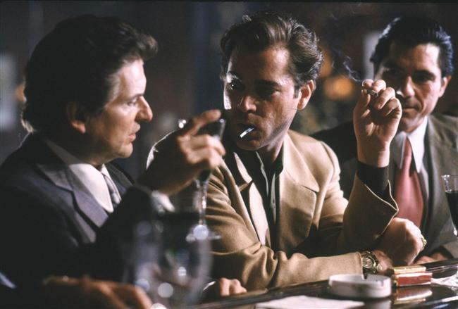 Goodfellas - Sıkı Dostlar  Goodfellas, 1990 yılında çekilen, Martin Scorsese'nin yönettiği, Nicholas Pileggi'nin Wiseguy adlı kitabından uyarlanmış, Henry Hill adında bir gangsterin gerçek hikâyesini anlatan filmdir.