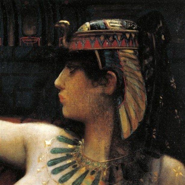 Kleopatra   Mısır'ın son hükümranı, dönemin en güçlü iki ismi Sezar ve Marc Antony ile beraberliği sayesinde ülkesinin varlığını korumasını sağladı, güzelliği bugün bile dillerden düşmüyor.