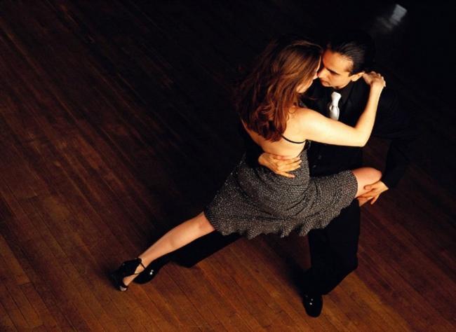 14-Sevdiğiniz bir dansın kursuna gidin.