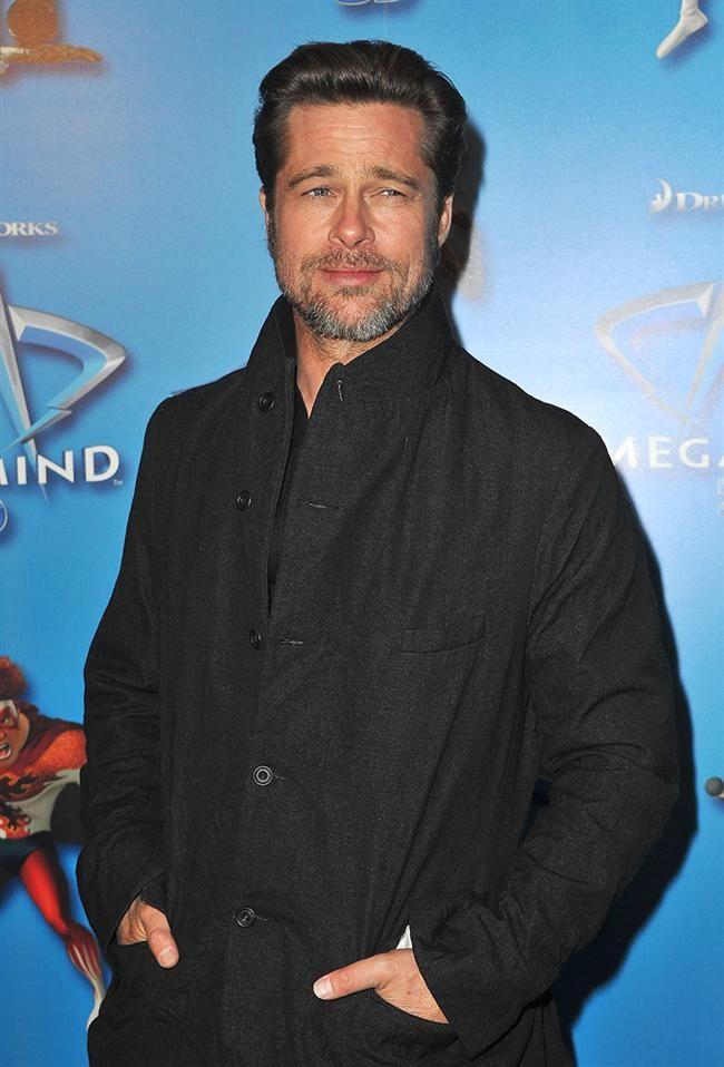Brad Pitt  Böyle bir liste yapıp Brad Pitt'i es geçmek tabii ki olmaz! Hala yakışıklılığından hiçbir şey kaybetmeyen Pitt ve Angelina tam 6 çocuk sahibi!