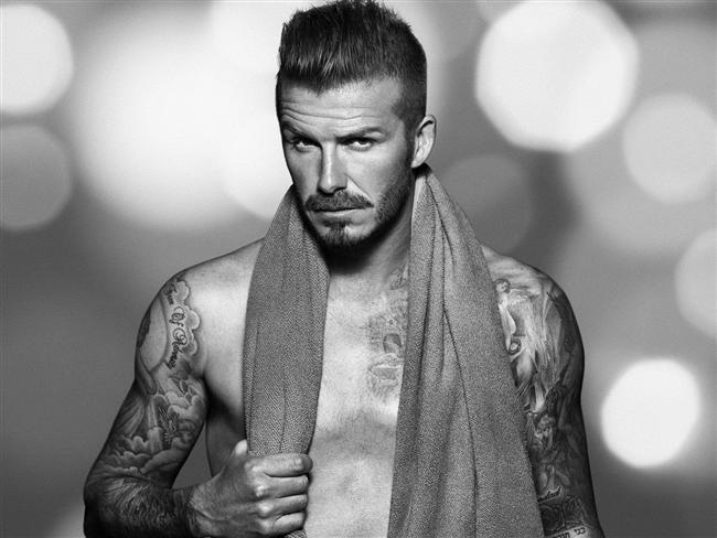 """David Beckham  """"Babasına bak, oğlunu al!"""" diyebileceğimiz türden bir durum söz konusu. Kuşkusuz en seksi babalardan olan David Beckham'ın oğulları da en az babaları kadar yakışıklı olacağa benziyor! Toplamdaysa üç erkek ve bir kız babası!"""
