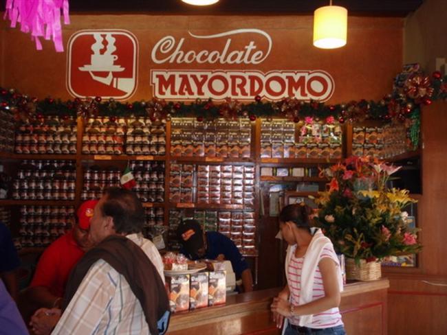 Oaxaca  Amerika turunda son durağımız ise Meksika. Oaxaca şehri tam bir çikolata cenneti gibi. Sokakta yürürken bile onlarla çikolata mağazasına rastlamak mümkün. Bu çikolataların en önemli özelliği ise hepsi el yapımı olarak üretiliyor.