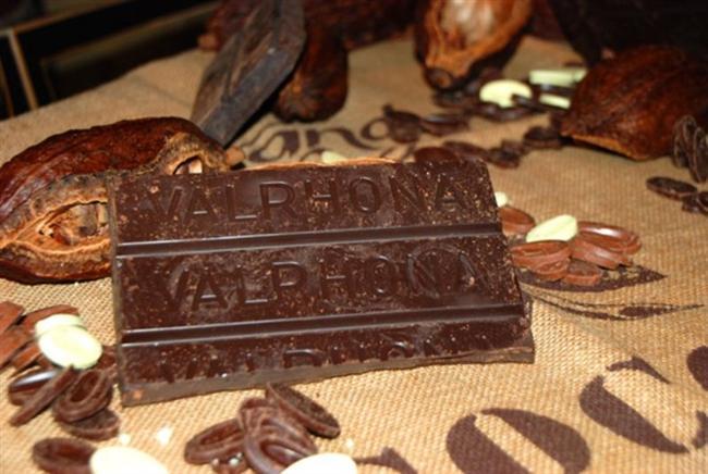Valrhona  Tain L'Hermitage ismini önceden duydunuz mu? Duymadıysanız bile artık aklınızda yer edecek. Lyon'a 1 saat mesafede bulunan bu şehirde Valrhona, en leziz çikolatalarını üretiyor. Fransa'dan sadece şarap değil lezzetli çikolatalar da çıkıyor.
