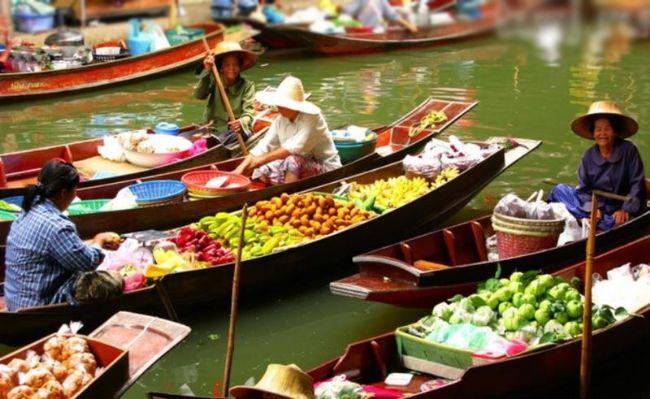 Tayland  Özellikle Phuket şehri bu ay ziyaret edebileceğiniz güzel bir deneyim olacaktır. Gitmeye karar verirseniz yüzen çarşıda alışverişe çıkmayı unutmamalısınız.