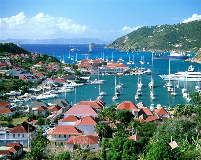 Karayip Adaları  Uzaklara gitmek fikri size cazip geliyorsa yine Nisan için en uygun bir yer olan Karayip Adaları'na doğru uzanarak, güzel havaların keyfini deniz ve güneşle çıkarabilirsiniz.