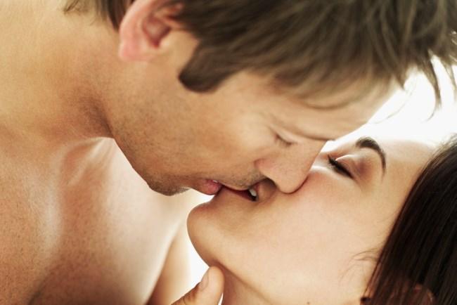 Oğlak  Günün stresinden uzaklaştıran yoğun öpüşmelerden hoşlanırlar.